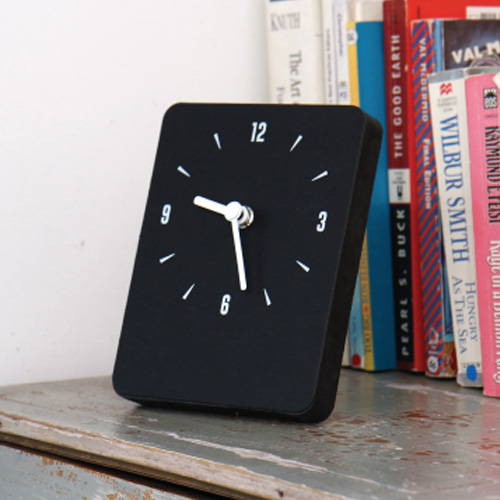 Часы 'Sandwich Clock Mini Felt' - Black