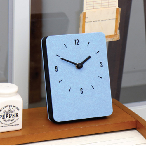 Часы 'Sandwich Clock Mini Felt' - Skyblue