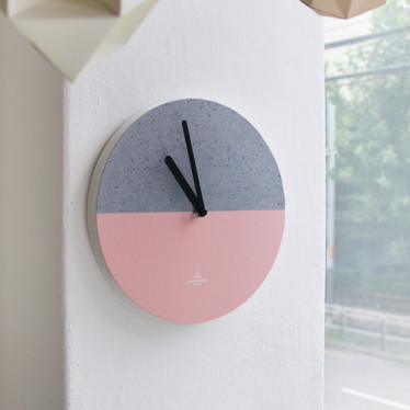 Часы 'Object Clock_Color' - Concrete Pink